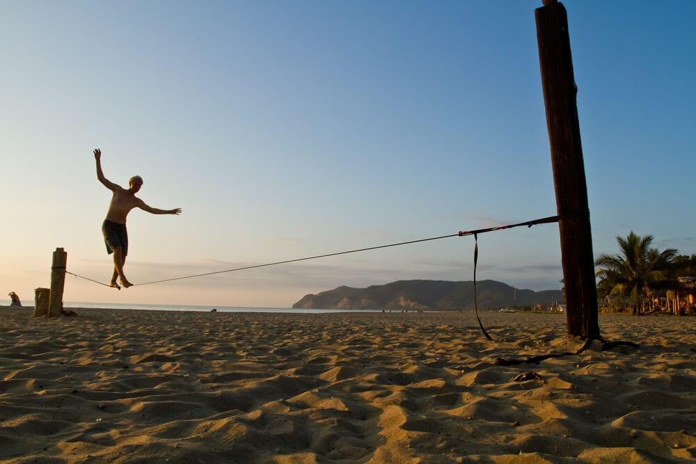 5 Conheça as manobras de slackline intermediário