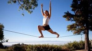 Aprenda como vencer obstáculos do slackline