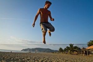 3 benefícios musculares gerados pela prática de slackline